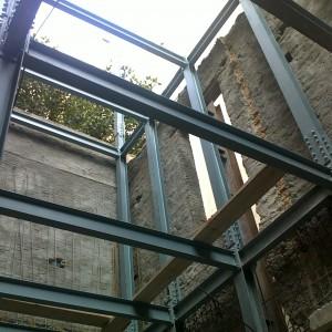 Ενίσχυση κτιρίου στα Εξάρχεια