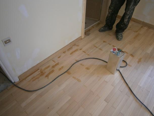 Στοκάρισμα ξύλινου δαπέδου