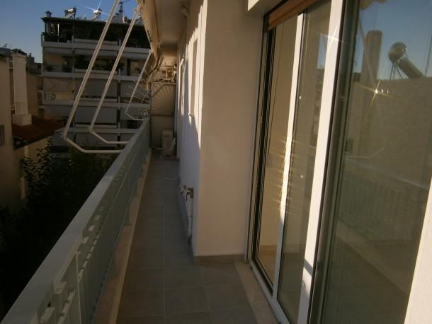 Εξωτερική θερμομόνωση τοίχου σε μπαλκόνι