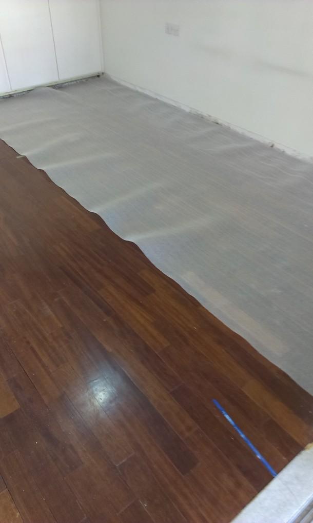 Τοποθέτηση υπόστρωμα laminate