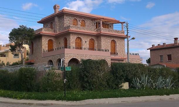 Πέτρινο σπίτι