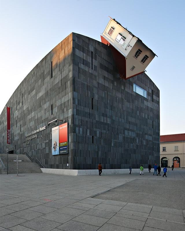 Τα 17 πιο παράξενα κτίρια