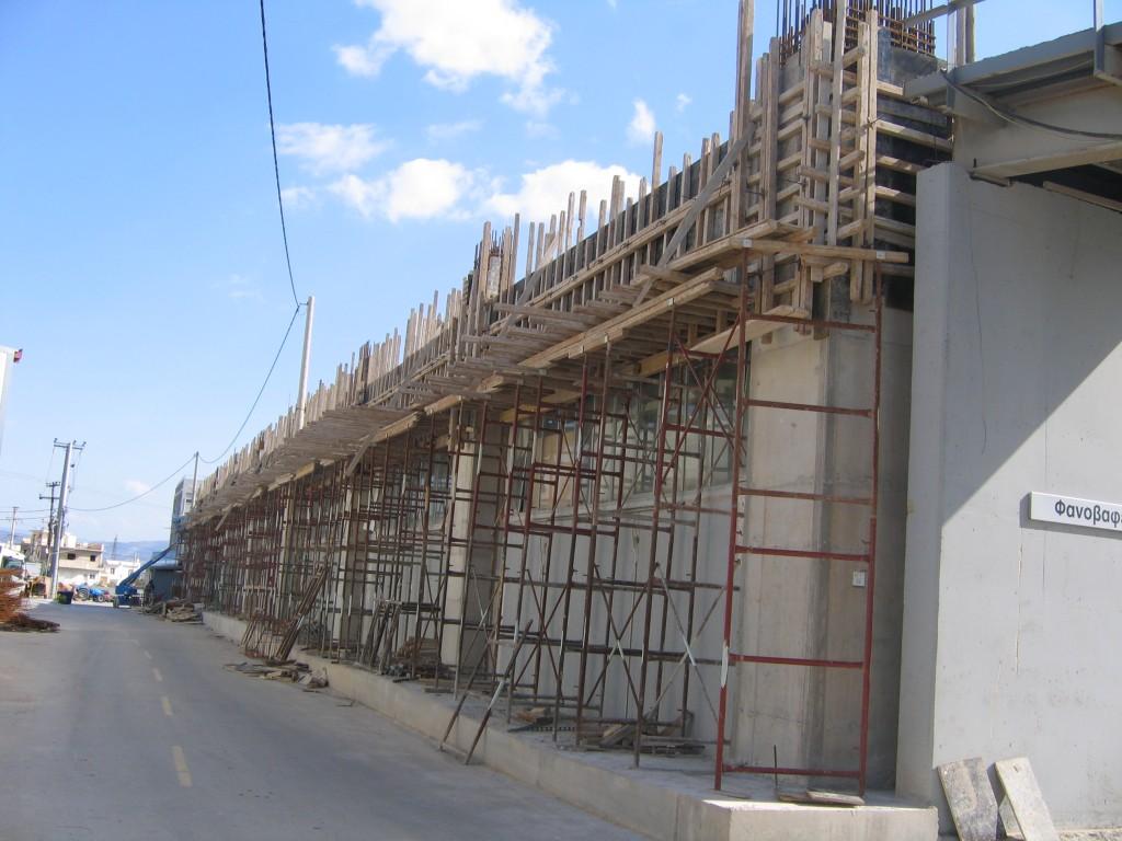 Ενίσχυση βιομηχανικού κτιρίου δοκάρια