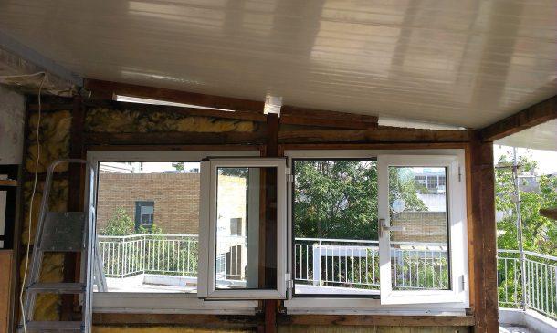 τοποθέτηση πάνελ πολυουρεθάνης οροφής