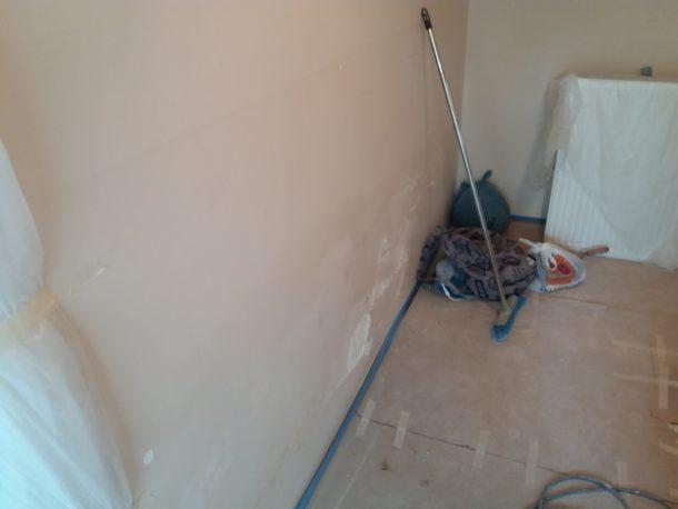 εμφάνιση υγρασίας στους τοίχους