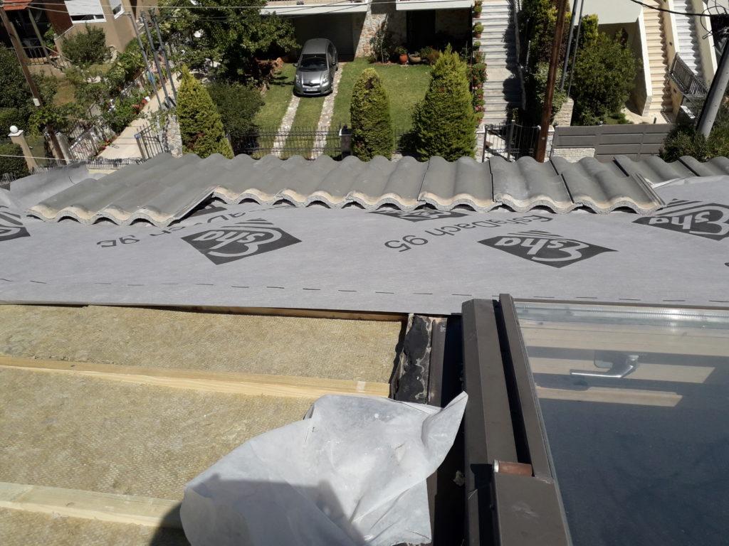 τοποθέτηση διαπνέουσας μεμβράνης σε στέγη