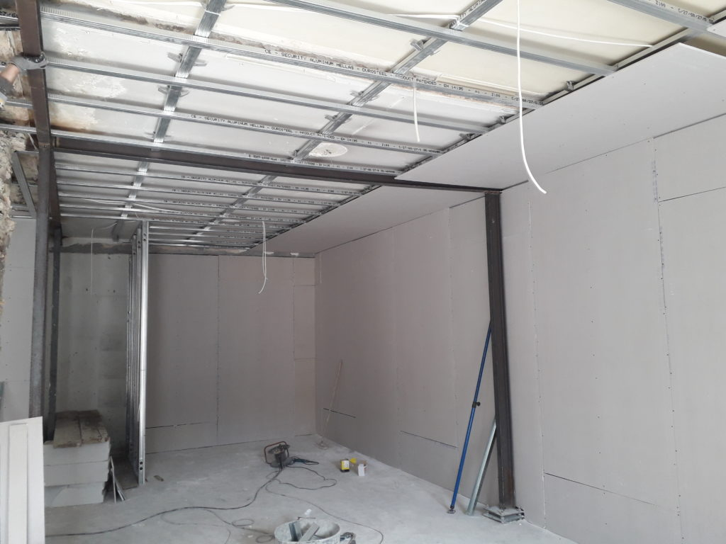 κατασκευή οροφών από γυψοσανίδα σε επαγγελματικούς χώρους