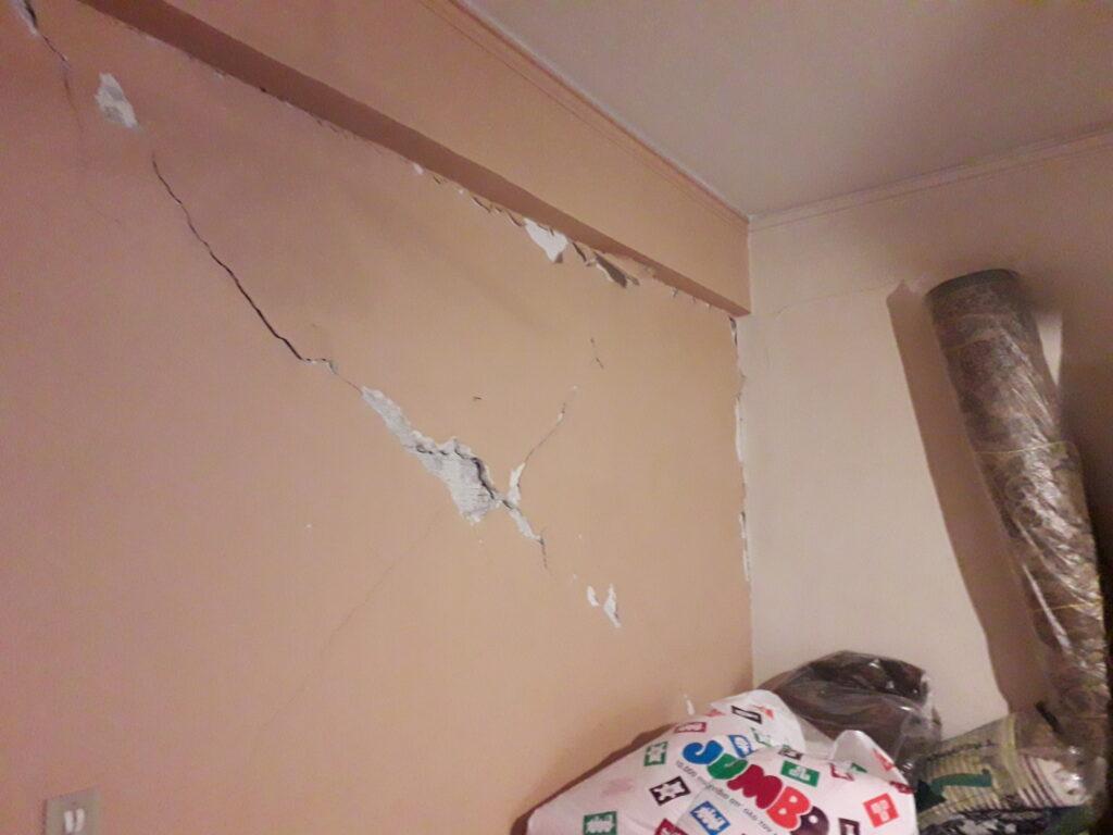 ρηγμάτωση τοίχου από σεισμό